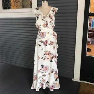 Gorgeous LEITH maxi dress